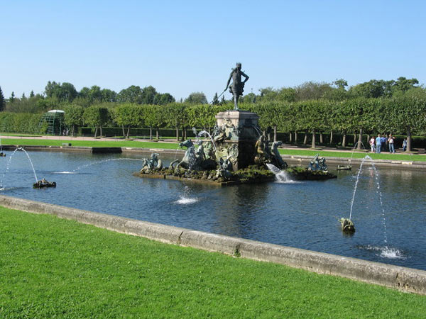 Upper Gardens, The Neptune Fountain. Peterhoff